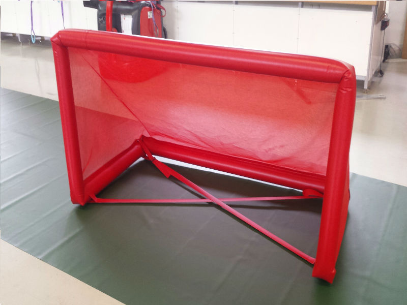 Cage de foot gonflable